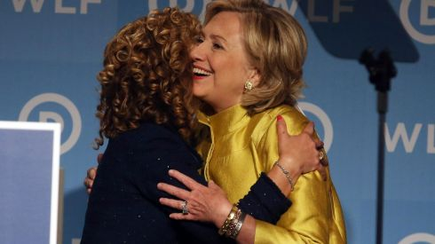 DNC Chair Debbie Wasserman Schultz and Hillary Clinton (source: Mark Wilson/Getty Images, via http://www.vox.com/policy-and-politics/2015/11/12/9699836/democratic-debate-schedule)