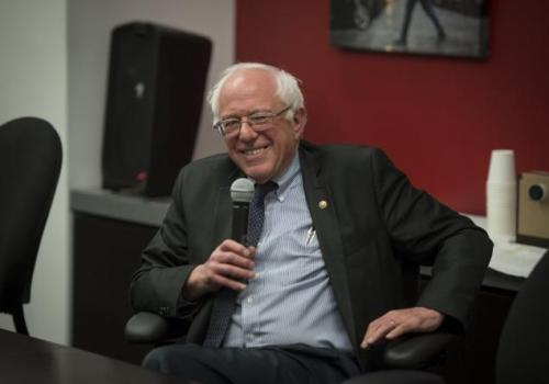 bernie-sanders-visits-daily-news